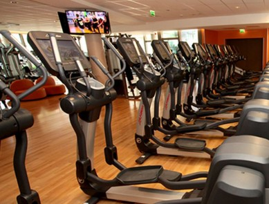 nouveau club med gym sur les bords de seine issy les moulineaux. Black Bedroom Furniture Sets. Home Design Ideas