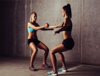 S'entraîner en duo : des exercices pour faire du sport à deux !