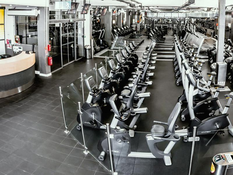 montana fitness club place de clichy paris tarifs avis horaires essai gratuit. Black Bedroom Furniture Sets. Home Design Ideas