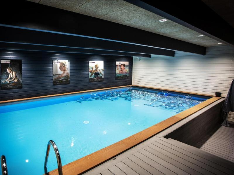 Salle de sport marly 28 images marly aulnoy une for Aquabike piscine paris