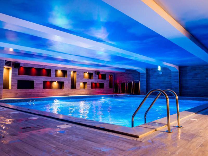 Aqualoft paris 16 tarifs avis horaires essai gratuit for Club piscine dorion horaire